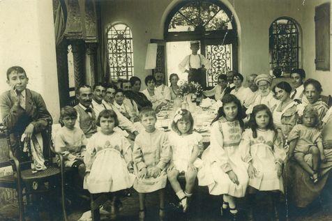 Alger un-repas-de-famille-saint-eugene-1881