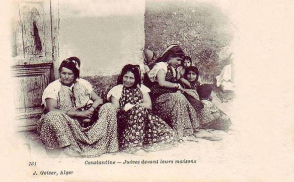 constantine-juives-devant-leurs-maison