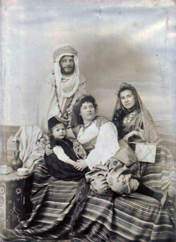 souk-ahras-famille-juive-1880